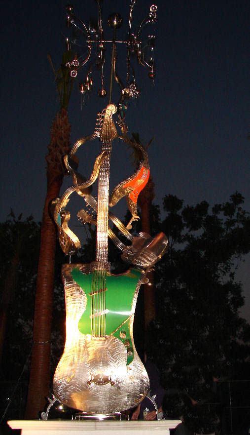 Killer Riffs at night Kinetic Wind Monumental Sculpture by LaPaso - Kinetic sculpture